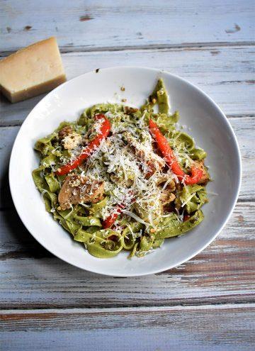 Fresh Spinach Pasta with Chicken Recipe Overhead Final