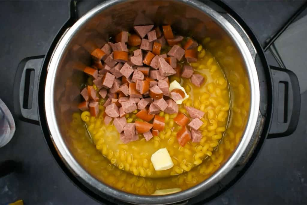macaroni and kielbasa uncooked in an instant pot